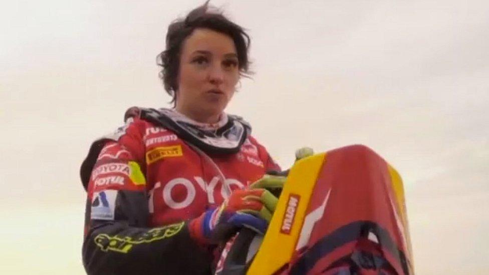 انستاسیا نیفونتووا: تکنیکی ٹیم کے بغیر ڈاکار ریلی مکمل کرنے والی پہلی خاتون