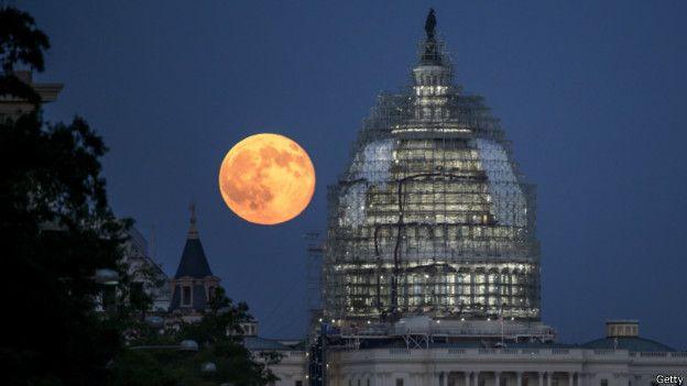 Imagen de la luna azul en Washington D.C. en 2015.