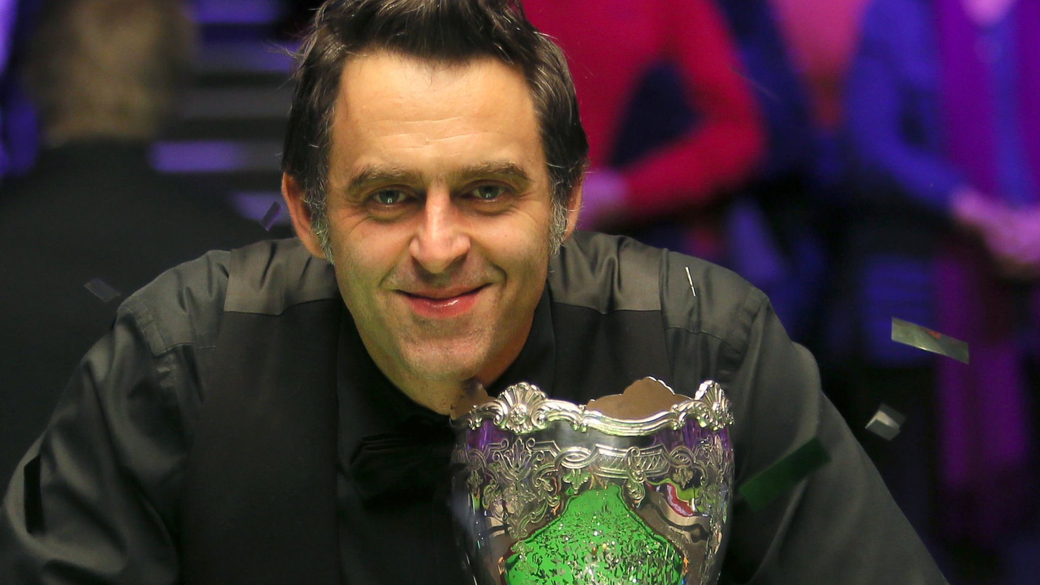 Ronnie O'Sullivan plays down matching Davis and Hendry records