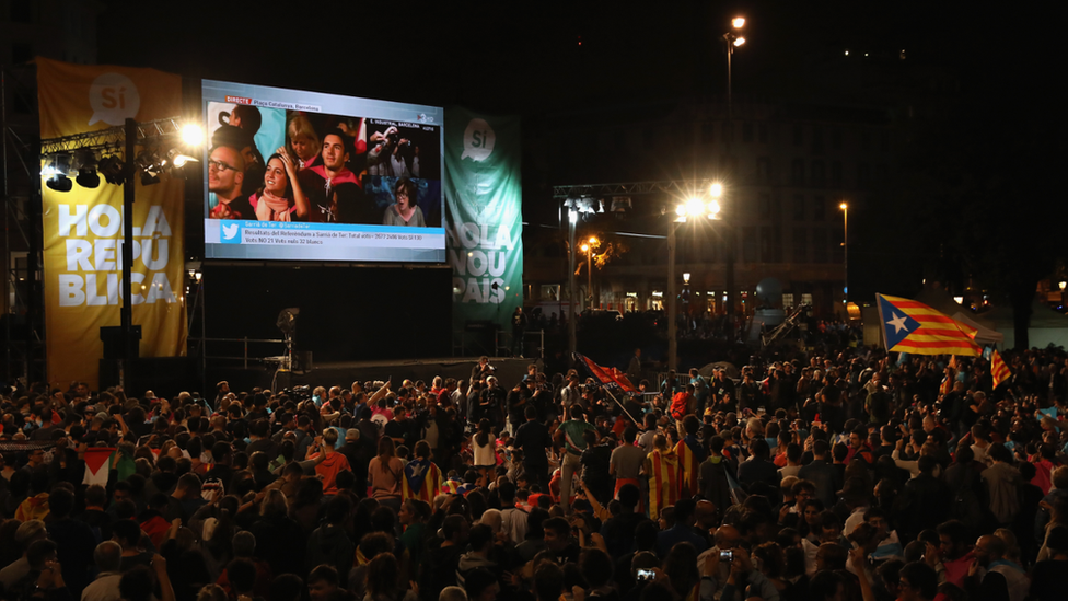 Crowds gather to await the result of the Indepenence Referendum on October 1, 2017 in Barcelona, Spain.