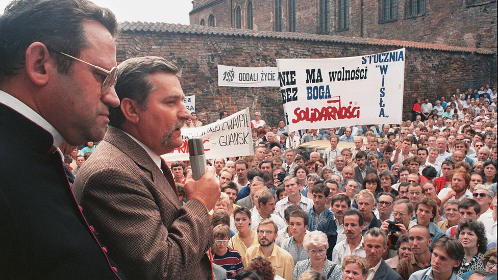 'Solidarnosc' (Solidarity) leader Lech Walesa addresses striking workers at the Gdansk shipyard in 1988