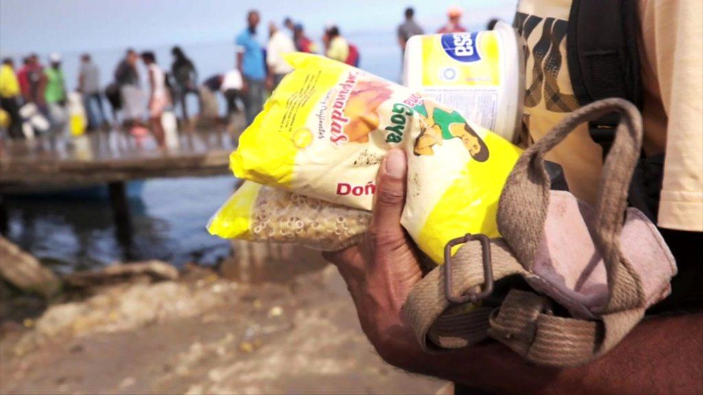 Venezuela crisis: Lack of cash leads to bartering