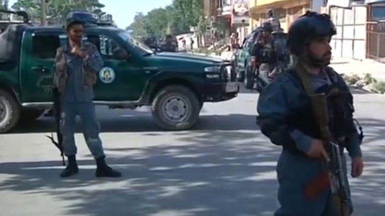 30 قتيلا وعشرات الجرحى جراء تفجير انتحاري في كابول