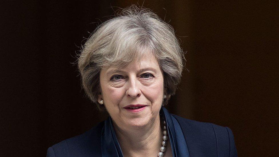 Parlamento Británico confirma elecciones anticipadas el 8 de junio