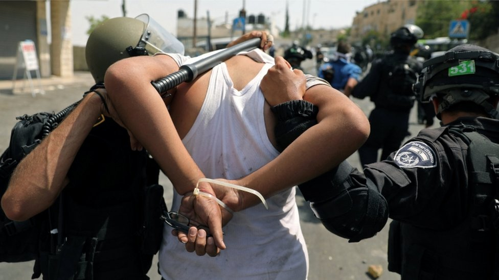 East Jerusalem: Palestinians killed as holy site tensions soar