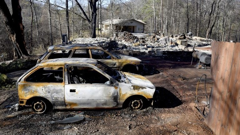 Death toll from Tennessee fires rises