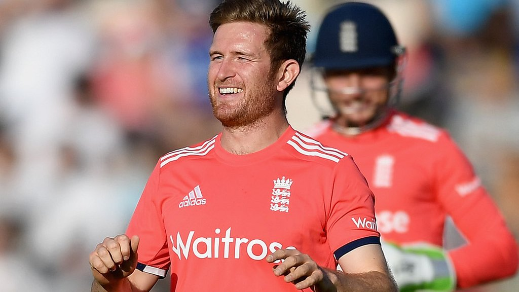 England may play three spinners in first ODI