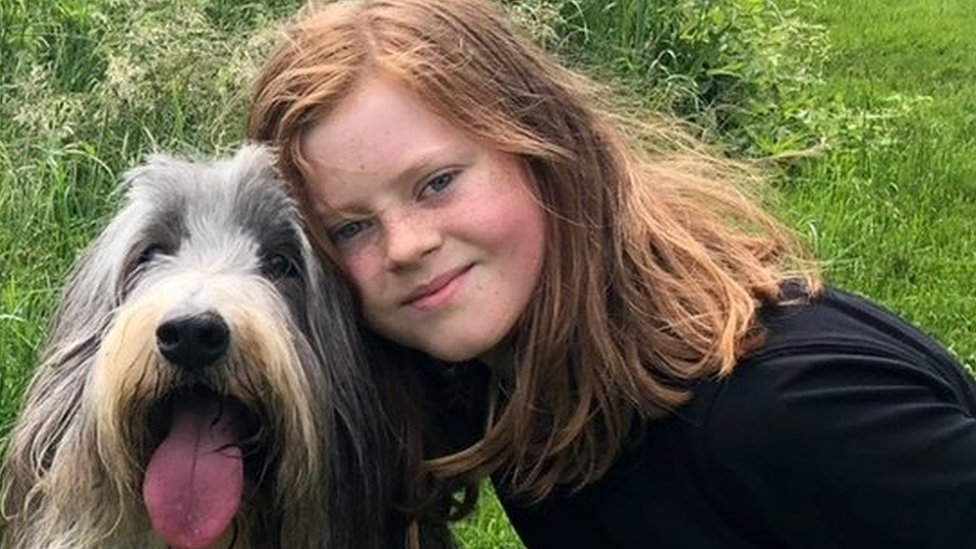 Autistic girl praised for 'life as perfectionist' account
