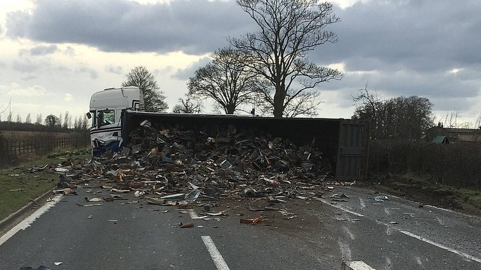 Lorry sheds tonnes of scrap across road near Faringdon