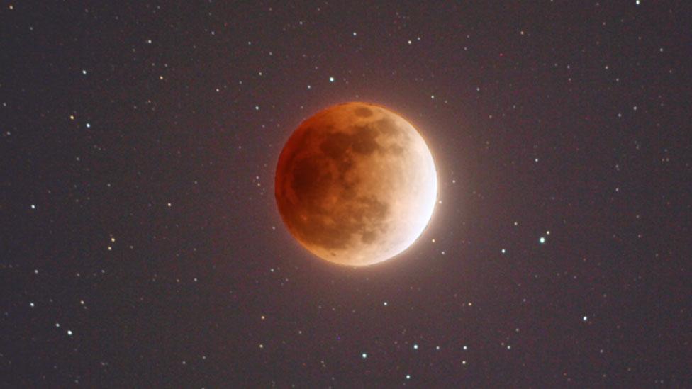 Ilustración de una Luna grandiosa y rojiza este 31 de enero Nasa
