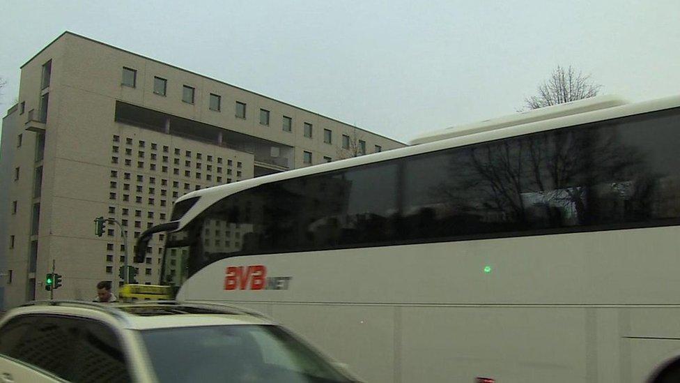 د برلین د برید شکمن کس