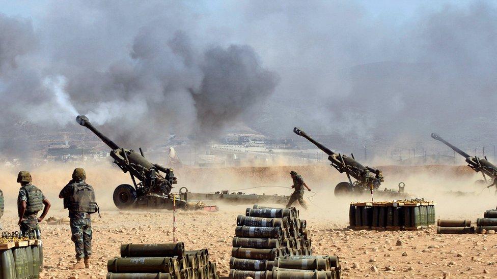 الجيش اللبناني يهاجم مسلحي تنظيم الدولة الإسلامية على حدوده مع سوريا