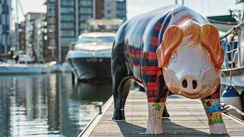 Ed Sheeran bought pig statue of himself at auction
