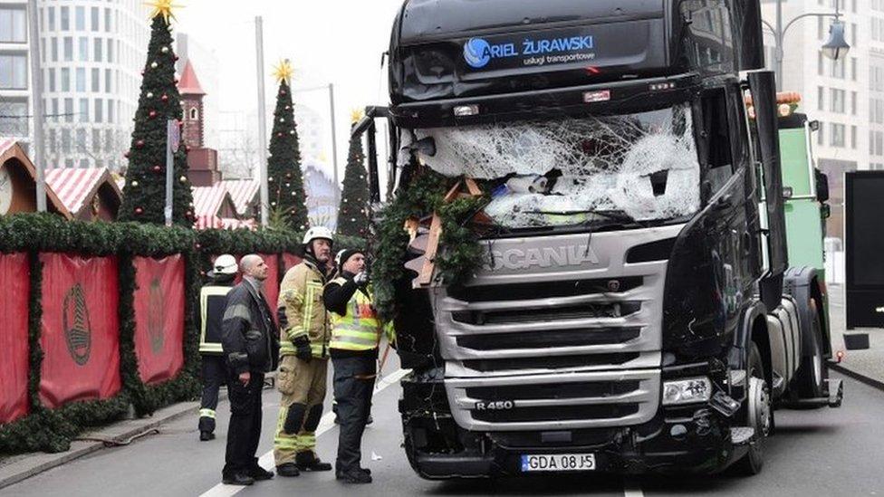 El camión que embistió contra el mercado navideño en Berlín.
