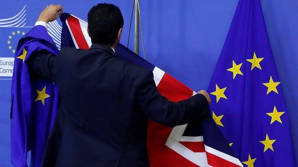 علم بريطانيا والاتحاد الأوروبي