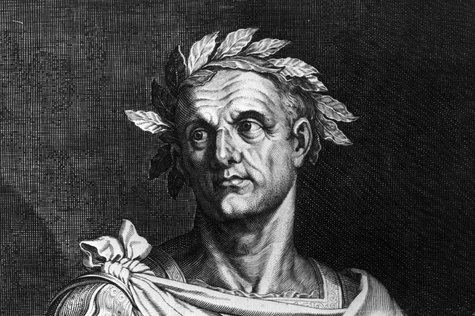 Julio César reemplazó el calendario romano con el juliano, que ya contemplaba 365 días divididos en 12 meses.