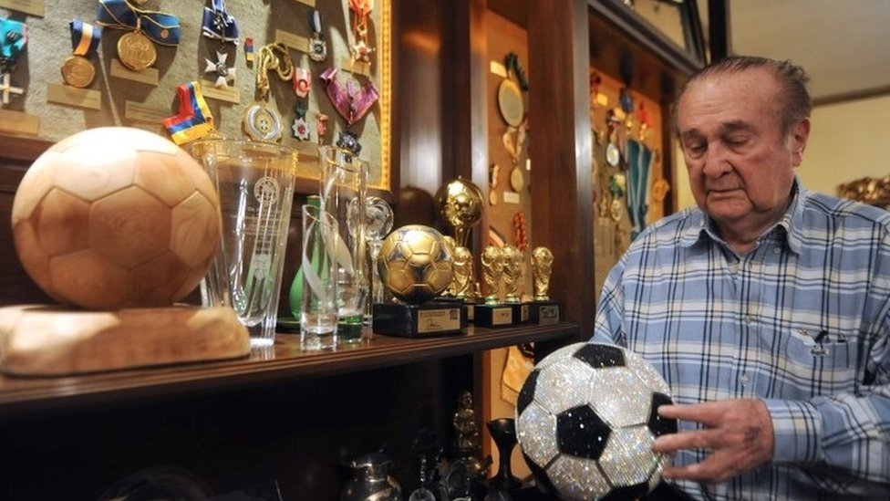 Nicolas Leoz: Conmebol ex-chief to be extradited from Paraguay