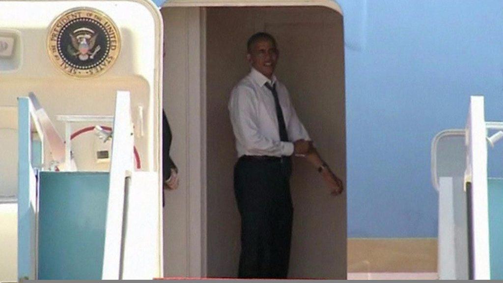 Bill Clinton keeps Barack Obama grounded