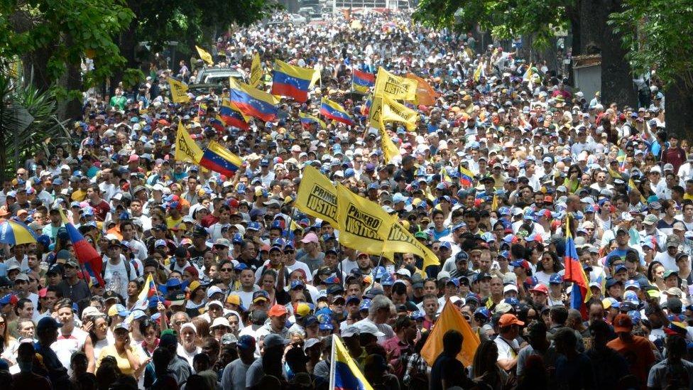 Venezuela ha estado experimentando grandes manifestaciones políticas en días recientes.