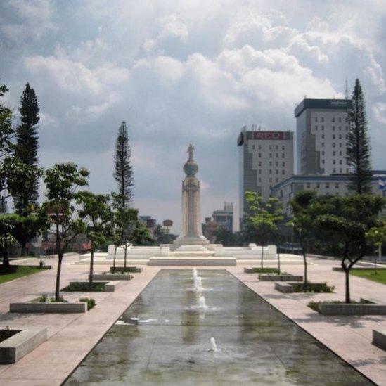 Monumento al Divino Salvador del Mundo, San Salvador, El Salvador.
