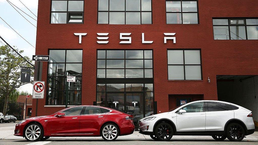 Tesla Autopilot: Name deceptive, claim groups