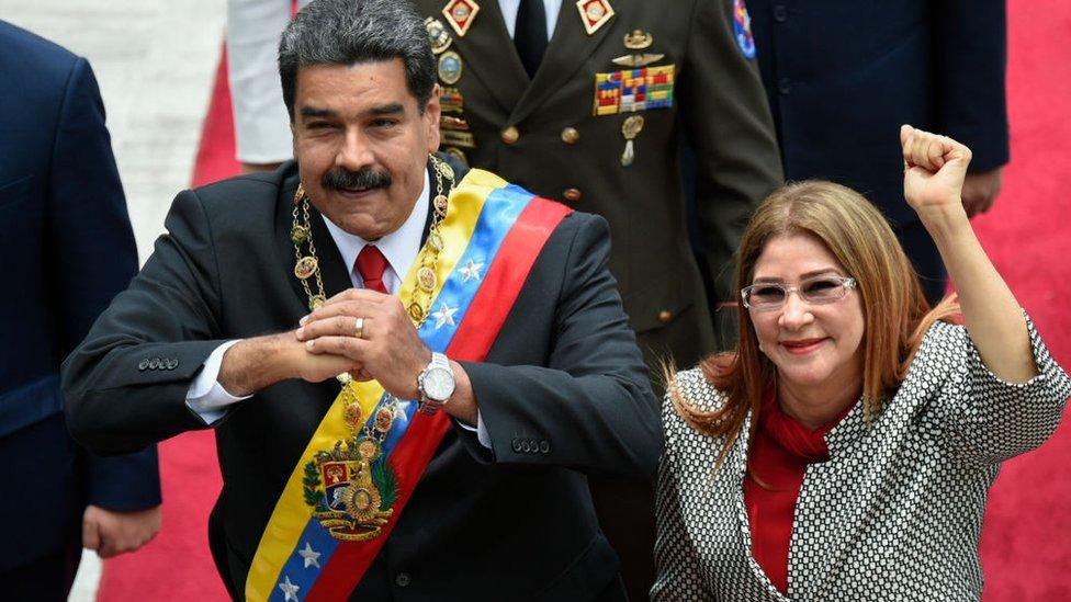 Venezuela: Estados Unidos sanciona a Cilia Flores y Maduro responde llamándolos ...