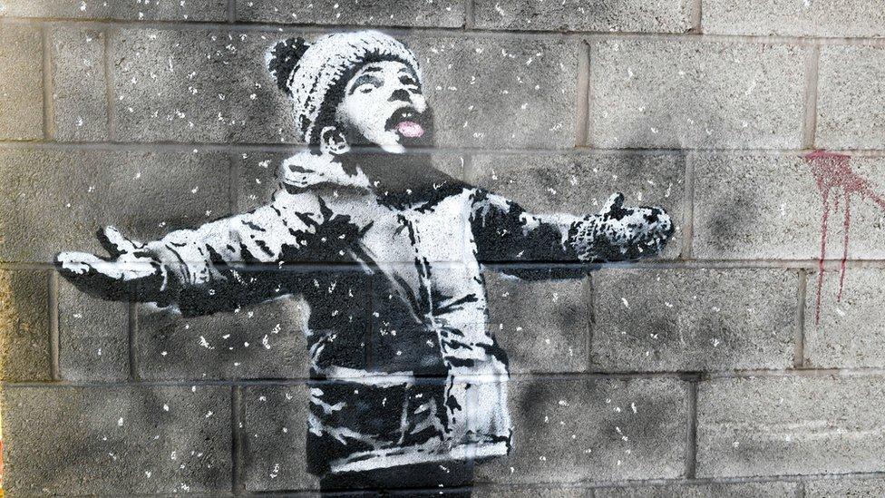 Рисунок Бэнкси на гараже в Уэльсе продан больше чем за 100 тыс. фунтов