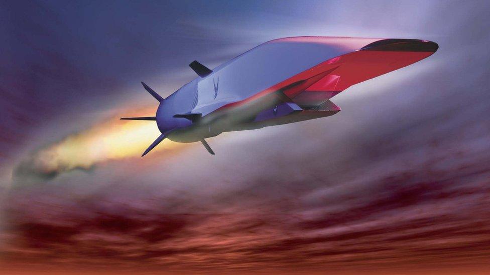 Ilustración del Boeing's X-51 Waverider que cuenta con un motor de combustión hipersónica diseñado para superar algunas de las dificultades de este tipo de vuelo. (Foto: Cortesía Fuerza Aérea de Estados Unidos).