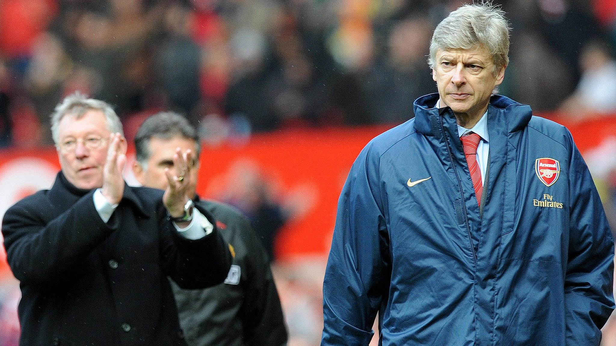 Ferguson leads praise for departing Wenger