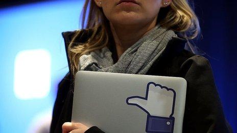 Facebook lets users prompt danger alert