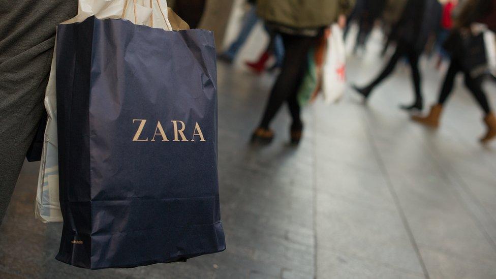Los mensajes se encontraron en varias tiendas de Zara en Estambul.