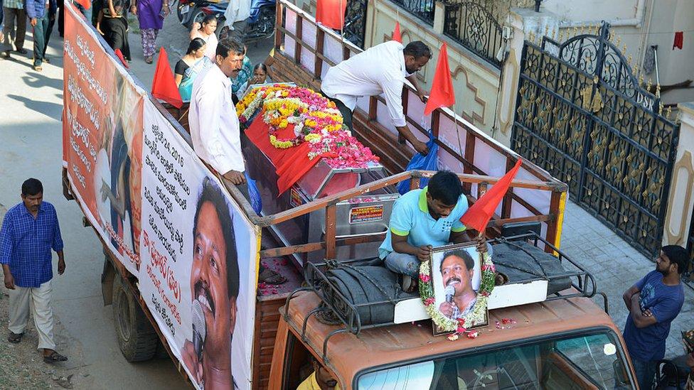 Funeral de un luchador maoísta en India