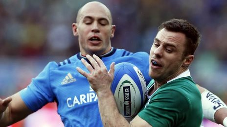 Tommy Bowe battles with Italian talisman during this year's Six Nations game between Ireland and Italy in Rome