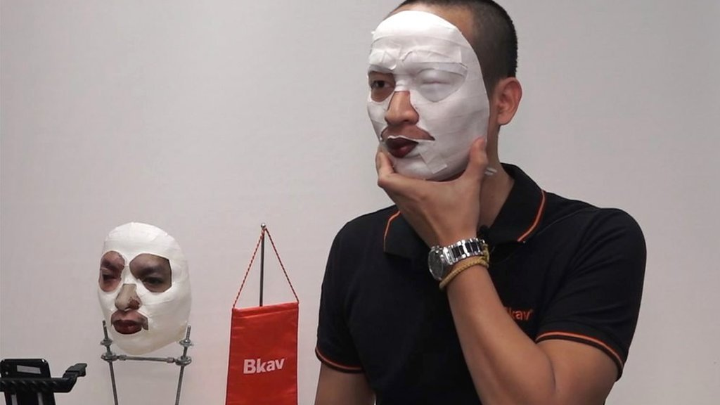Face ID iPhone X 'hack' demoed live with mask by Bkav
