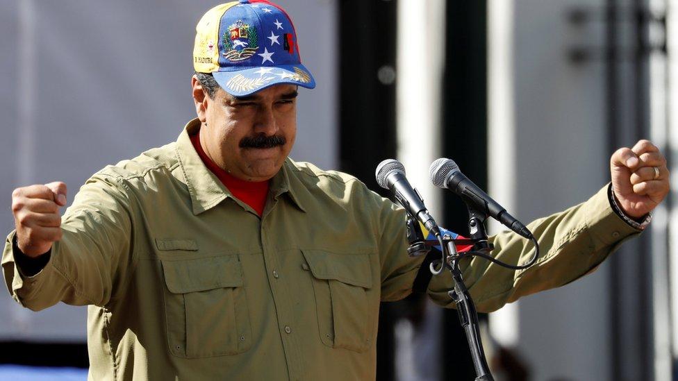 """El presidente venezolano, Nicolás Maduro, atribuye la crisis a una """"guerra económica"""" perpetrada por Estados Unidos."""