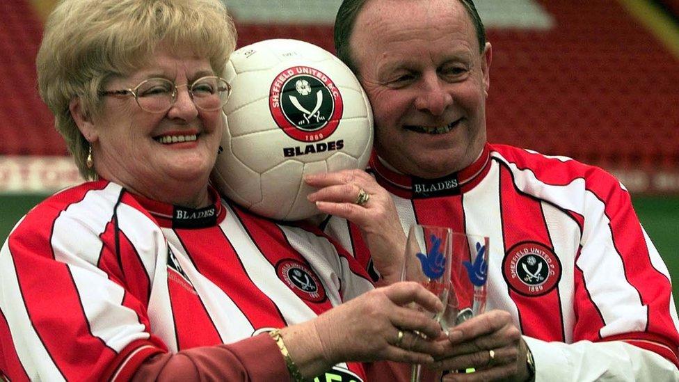Sheffield lottery winner Barbara Wragg dies aged 77 | BBC