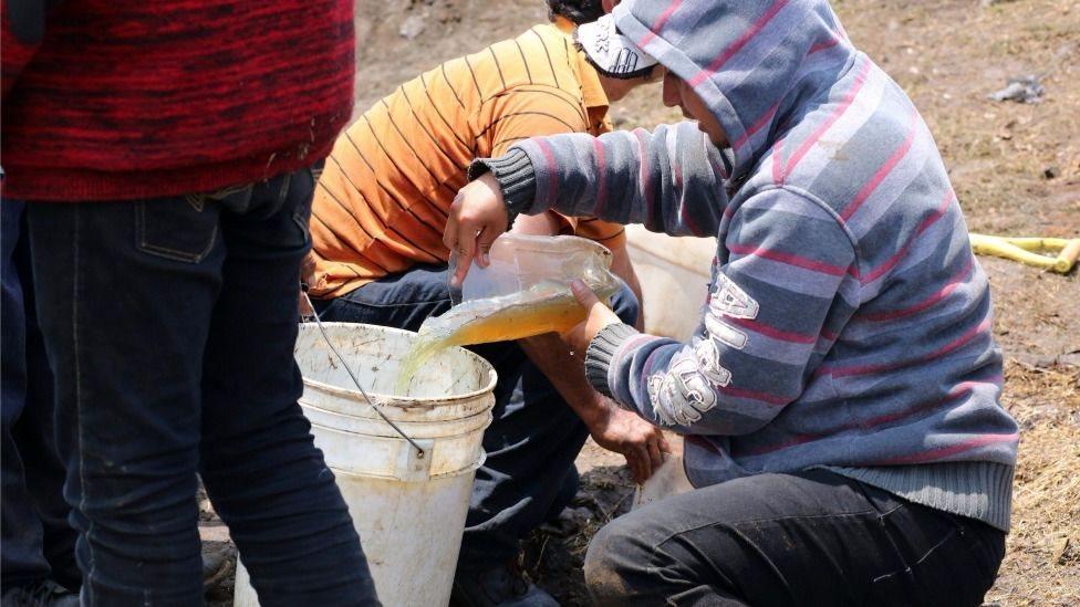 El robo de combustibles es uno de los problemas más graves de México.