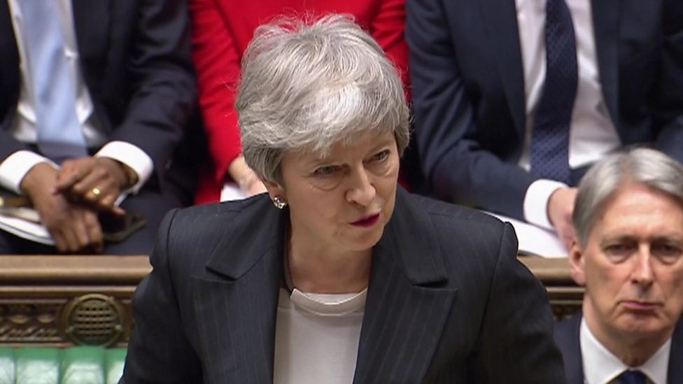 Brexit: Sterling falls on no-deal worries