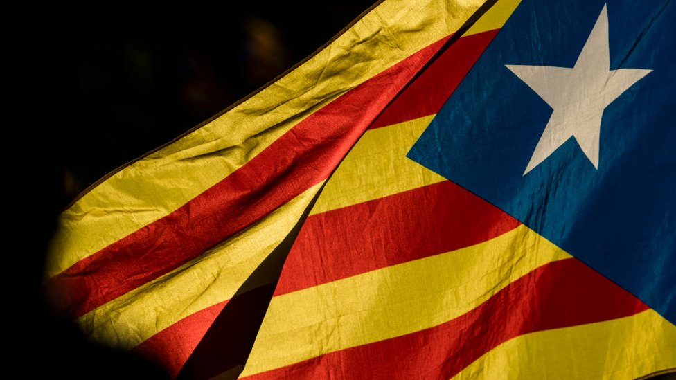 El 1 de octubre se celebró un referendo sobre la independencia de Cataluña del resto de España que no fue reconocido por el gobierno español.