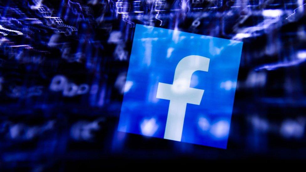 Por qué la gente deja Facebook (y qué nos dice esto sobre el futuro de las redes sociales) - BBC News Mundo