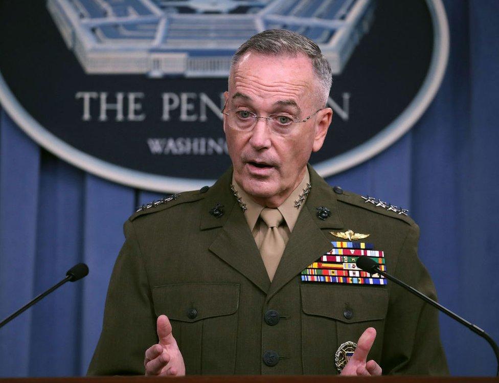 美軍參謀長聯席會議主席鄧福德向傳媒透露數名士兵在尼日爾殉職的詳情