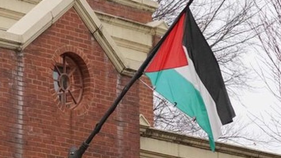 Palestinians 'could freeze US ties' over Washington office closure