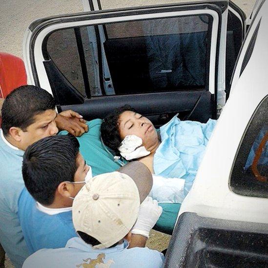 Vilma Trujillo a su llegada al hospital. Foto: La Prensa.