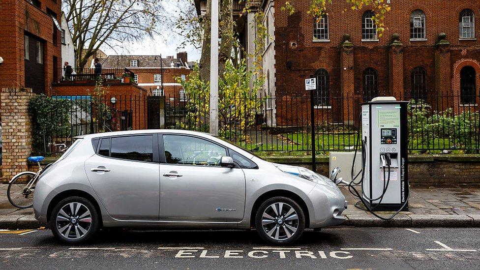 En 2016 se vendieron 44.888 vehículos eléctricos en Noruega.