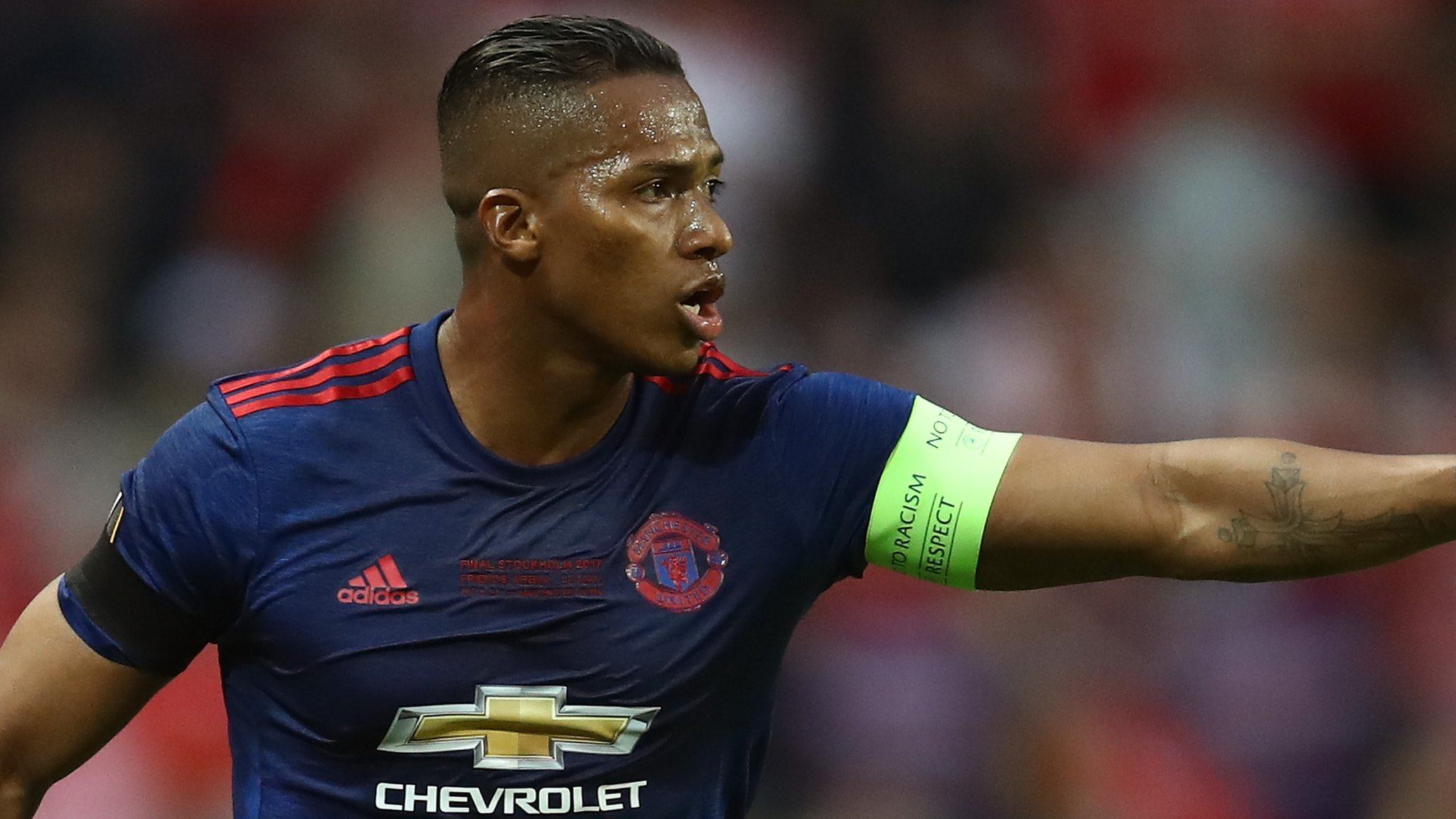 Antonio Valencia: Manchester United full-back signs one-year contract extension