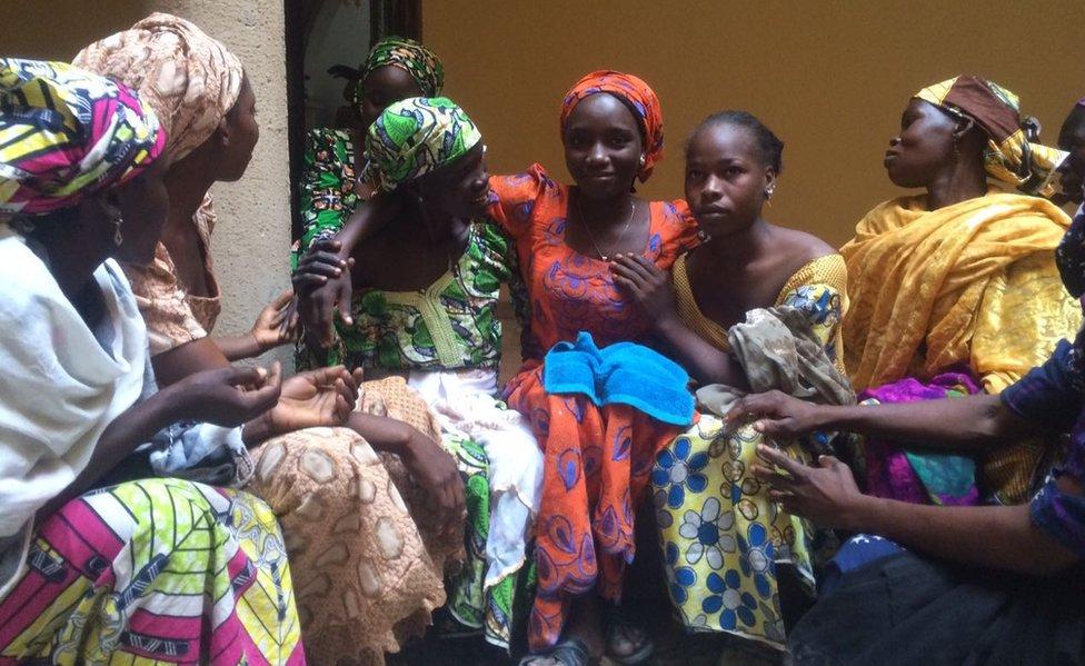 Jóvenes liberadas de Boko Haram en octubre 2016