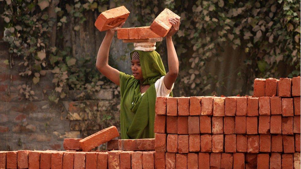 India se proyecta como la tercera economía mundial después de China y Estados Unidos en la próxima década.