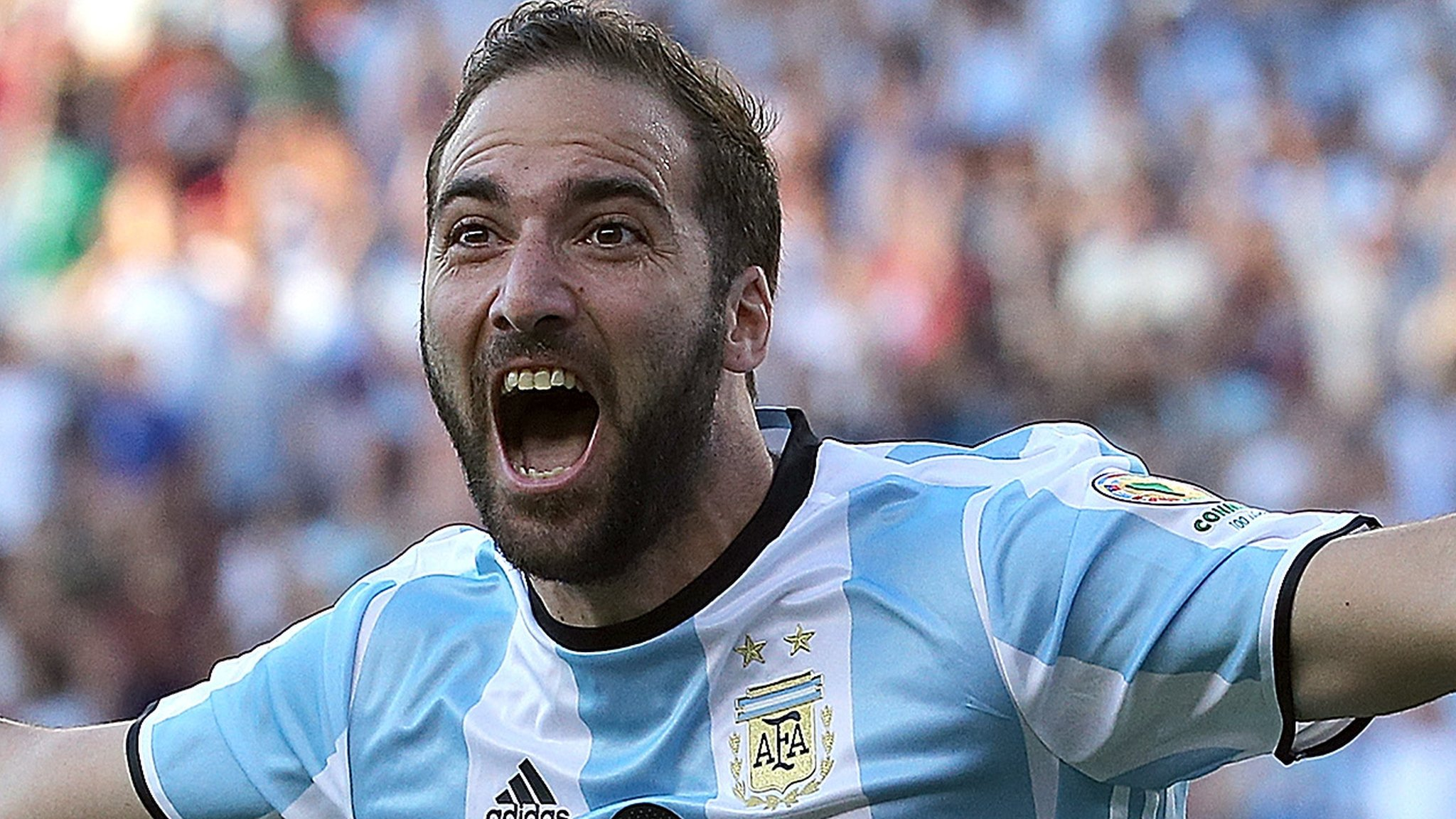 Higuain joins Juventus from Napoli for £75.3m
