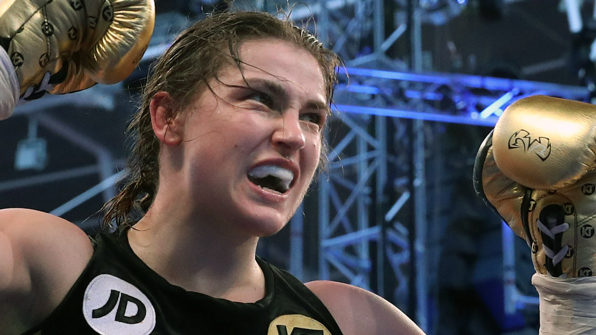 Ireland's Taylor beats Meinke to earn shot at world title