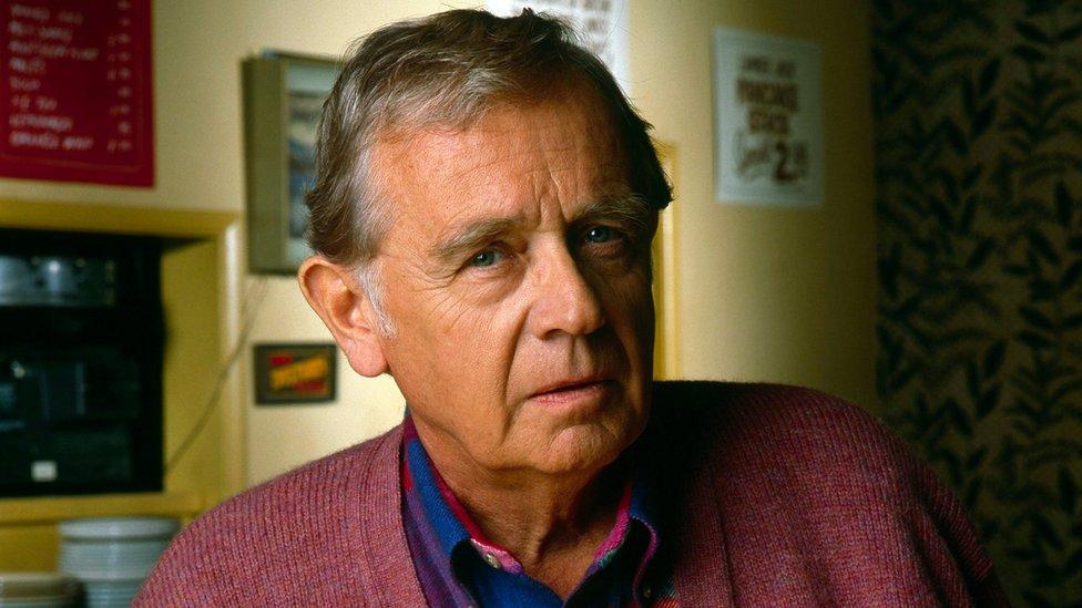BBC News - Twin Peaks actor Warren Frost dies at 91